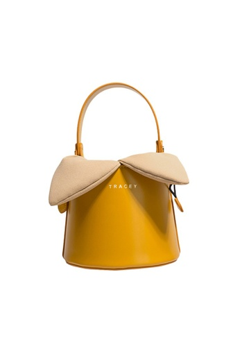 Tracey yellow Tracey Limited Rabbit Bucket Bag 4B7FDACAD5E8C4GS_1