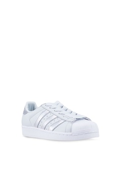 38a7cd7d79b21f 10% OFF adidas adidas originals superstar women sneakers HK  799.00 NOW HK   718.90 Sizes 4 5 6 7 8