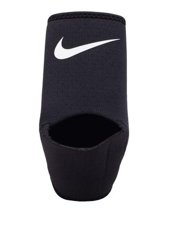 Nike black and white Nike Pro Ankle Sleeve NI126AC36ABRMY_1