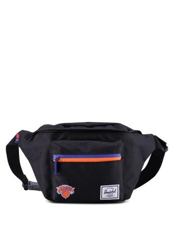 Herschel black Seventeen Hip Pack (New York Knicks) 201B2ACEB86895GS_1