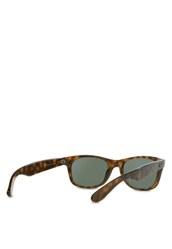 Jual Ray-Ban New Wayfarer RB2132 Sunglasses Original   ZALORA Indonesia ® e6232f832e4c