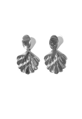 FAWNXFERN silver Jyla Leaf Earrings in Silver 9C306ACC55D3F2GS_1
