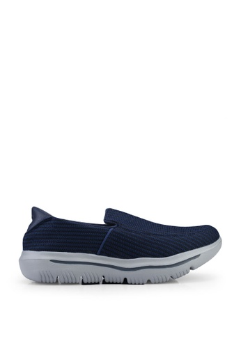 UniqTee blue Lightweight Slip-On Sport Sneakers B5519SHACF9EF3GS_1