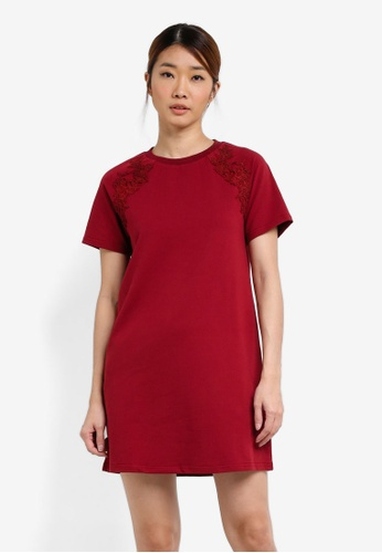 Something Borrowed red Lace Applique Tee Dress D16A3AA456C865GS_1