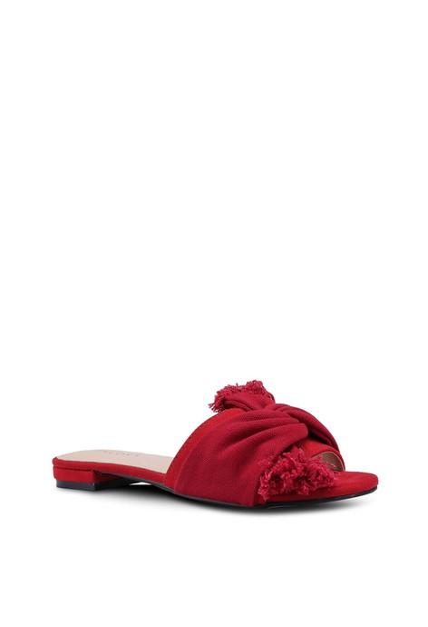 Sandal .