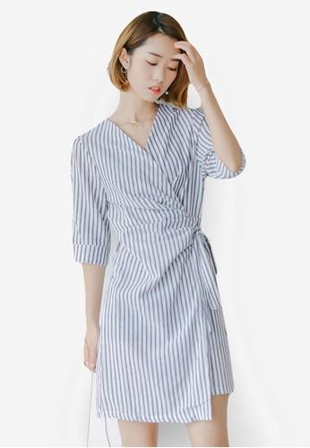 Bernice 細條zalora 內衣紋五分袖裹式連身裙, 服飾, 洋裝