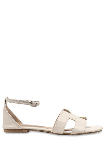 CLAYMORE white Claymore sandal flats FL 02 White CL635SH44SCHID_1