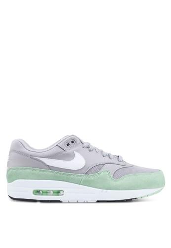302416d6c7d Men's Nike Air Max 1 Shoes