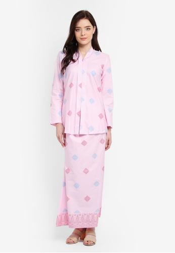 Cotton Tradisional Kebaya With Songket Print (Diamond) from Kasih in Pink