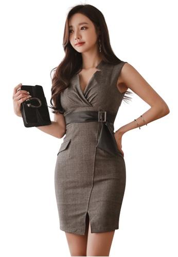 04560725e5 Sunnydaysweety grey 2018 S S New V-neck Plaid Vest One Piece Dress UA031996