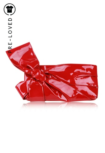 Valentino red Pre-Loved valentino Red Patent Bow Clutch 0B3CAAC93D41A2GS_1