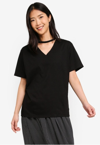 ZALORA BASICS black Basic V-Neck Cut Out T-Shirt E6463AAED5A96BGS_1