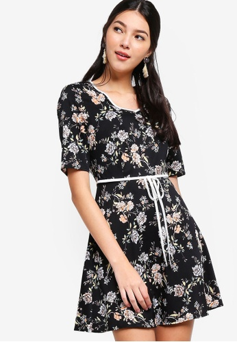 ZALORA black and multi Fit And Flare Dress with Contrast Tie 76324AA33F52B7GS_1