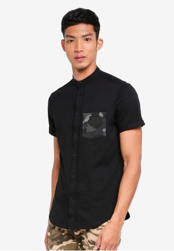 UniqTee 黑色 短袖迷彩口袋襯衫 E54B8AAB27A941GS_1
