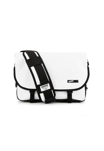 Peeps white Essential Messenger Bag 8B3B1AC10BB539GS_1
