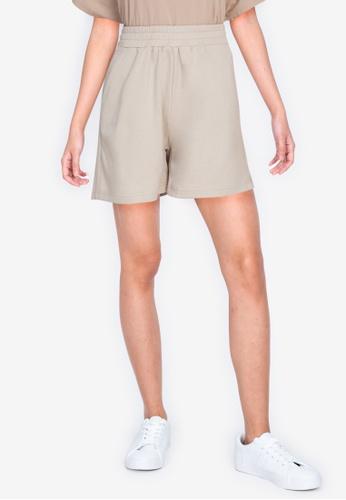 ZALORA BASICS beige Sweat Shorts 15E18AA38EB7BEGS_1