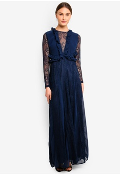 b31ed3189a6de 55% OFF True Decadence Long Sleeve V Neck Lace Dress RM 639.00 NOW RM  287.90 Sizes S M L