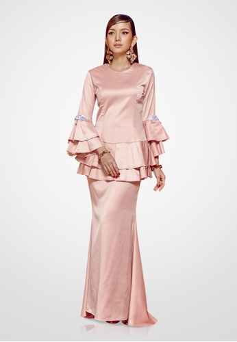 Farraly Orked Kurung from FARRALY in Pink