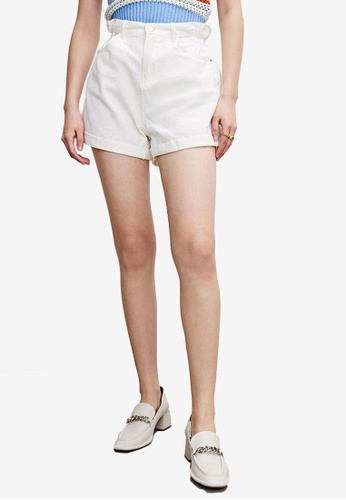 Urban Revivo white Roll Up Casual Shorts BE3F8AA03F4678GS_1