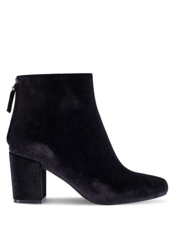 ZALORA 黑色 Velvet 靴子 07444SHB39BEC6GS_1