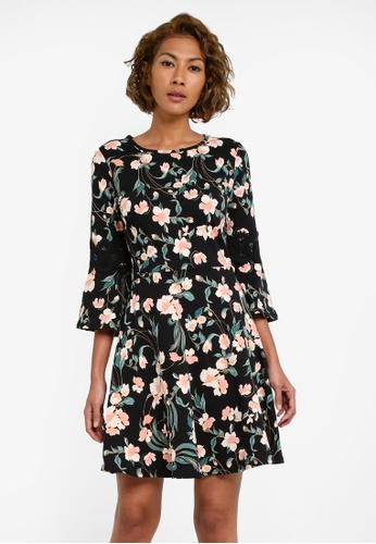 Dorothy Perkins black and multi Floral Fit And Flare Dress DO816AA0S09GMY_1