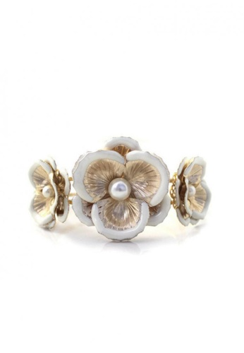 LOVENGIFTS white and gold and beige LOVENGIFTS Pearl Glow Flower Strand Bangle LO429AC78KDPMY_1