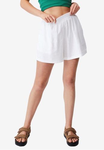 Cotton On white Sunseeker Shorts F5DF5AA810554CGS_1