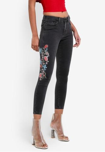 Miss Selfridge black Petite Embroidered Jeans MI665AA0S7BYMY_1