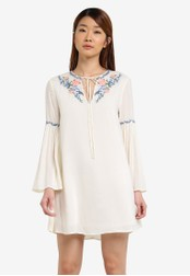 Something Borrowed white Embroidered Bell Sleeve Dress 6BF99AA0066DEFGS_1