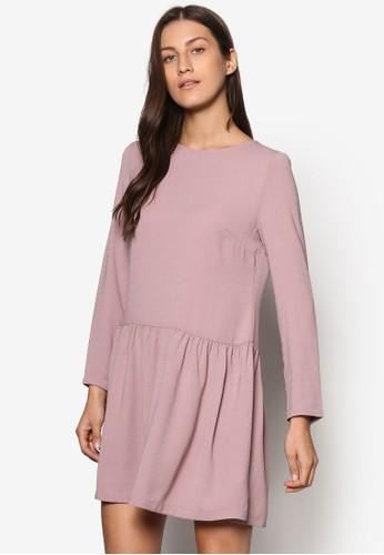 Collection 低腰褶飾長袖連身裙、 服飾、 洋裝ZALORACollection低腰褶飾長袖連身裙最新折價