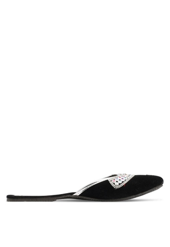 Pride black Ladies Leather Chappal PR075SH60XBZMY_1