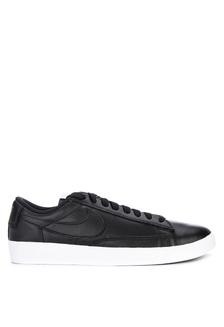 vente chaude en ligne 3536a 17e76 Shop adidas adidas originals falcon w Online on ZALORA ...