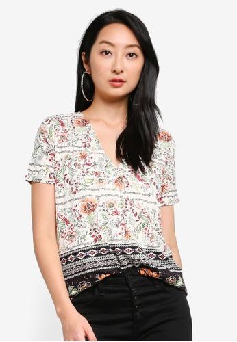 Desigual white Floral Printed V-neck T-shirt 5A259AAF5CB843GS_1