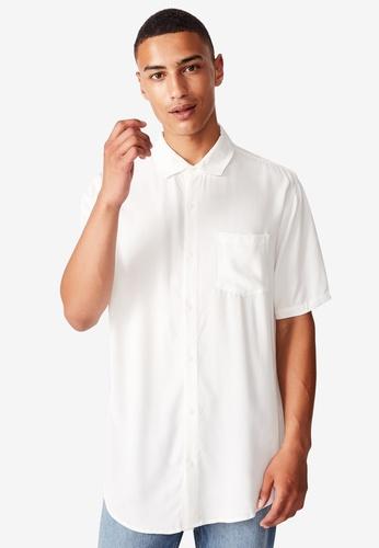 Cotton On white Cuban Short Sleeve Shirt 6ADF6AA11283FDGS_1