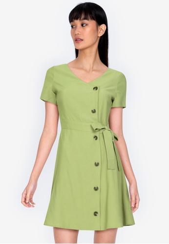 ZALORA BASICS 綠色 V領鈕釦修身喇叭裙洋裝 CD464AAC7AFAA0GS_1
