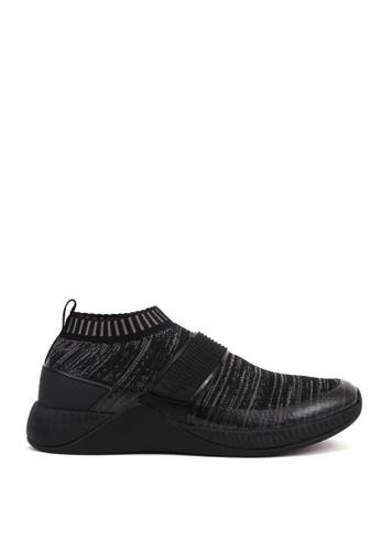 World Balance black Metropolis Sneakers 2B81CSH52B394CGS_1