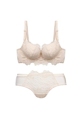 Midnight 米褐色 Premium Lace Beige Lingerie Set (Bra and Underwear) C8FC5USE4C251BGS_1
