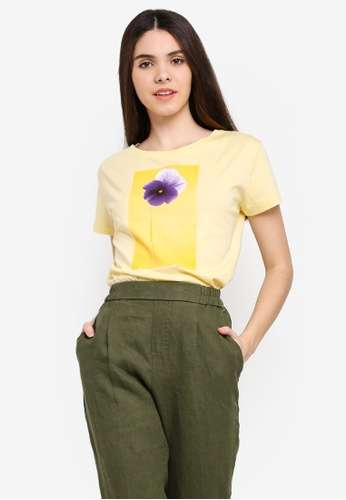 United Colors of Benetton yellow Printed T-shirt 86F01AA5702C74GS_1