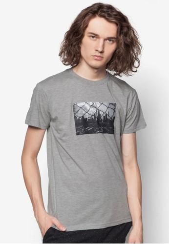 鐵籬笆之外設計TEE, 服飾, 印圖Tesprit 門市恤