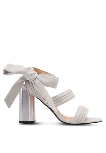ZALORA 灰色 蝴蝶結緞帶粗跟涼鞋 8FCCASHD9DA595GS_1