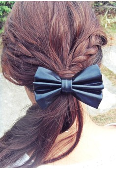 Black Faux Leather Bow (Small)