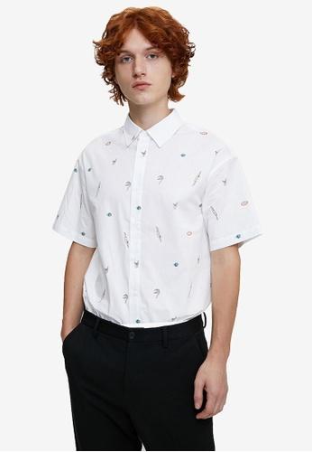Urban Revivo white Short Sleeve Printed Shirt C8044AAD7CFAD9GS_1