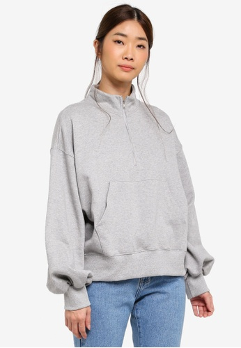 Stylenanda grey Zippered Mock Neck Sweatshirt 0EBFCAA21AD267GS_1