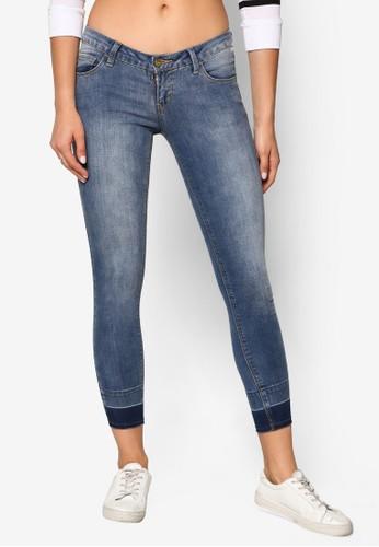 低腰窄管牛仔褲、 服飾、 服飾Penshoppe低腰窄管牛仔褲最新折價