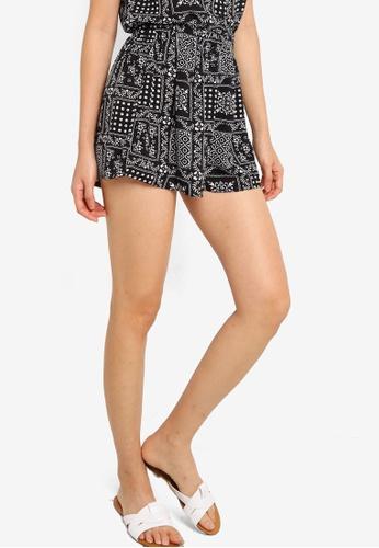 ZALORA BASICS black Elastic Waistband Shorts 1E462AAD9FDFF0GS_1
