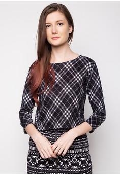 Kara Quarter Sleeves Crop Top
