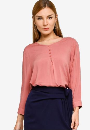 ZALORA WORK pink 3/4 Sleeve Pleat Front Blouse 7CAA1AA3684517GS_1