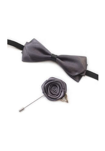 Kings Collection grey Dark Grey Bow Tie with Buttonhole (KCBT2020) B05AAACFED487FGS_1