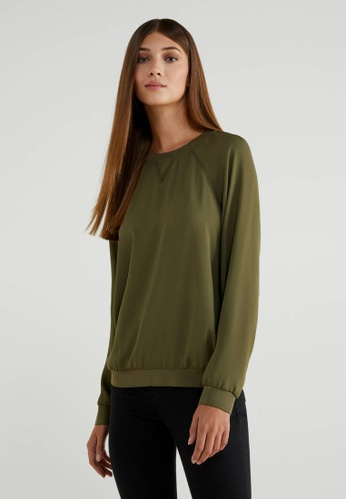 United Colors of Benetton green Round Neck Crepe Blouse 31859AA8A2BBF1GS_1