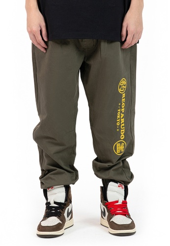 Reoparudo green IEEO IN SPACE @ RPD Space World Reflective Print Cargo Jogger (Army Green) BE424AA33B0307GS_1
